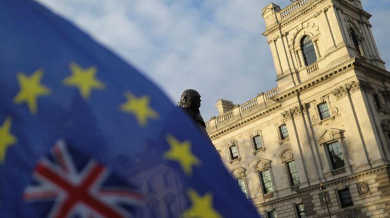 IRLANDE DU NORD: LONDRES ET BRUXELLES S