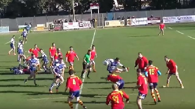 Video.  Amateur Rugby # 83. A hooker jumps over obstacles with an opponent in the middle of a match
