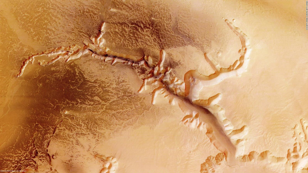 Chinese space mission takes amazing pictures of Mars