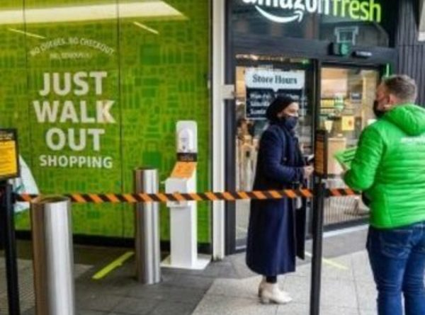 """Amazon opens an """"unconnected"""" and refreshed grocery store in London"""