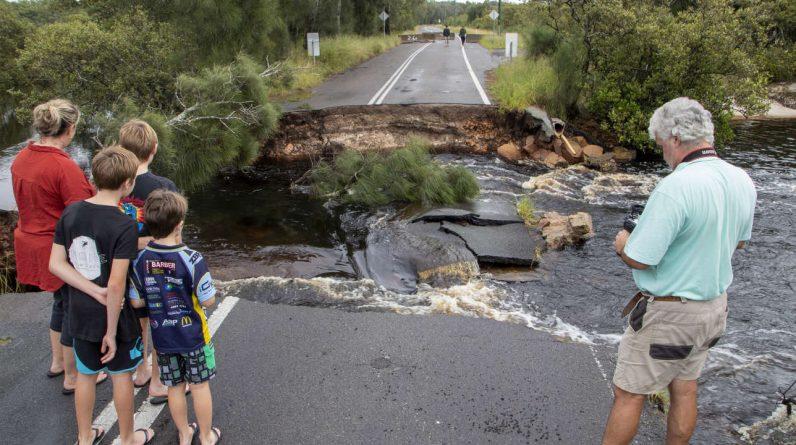 Australia: New South Wales evacuates 18,000 people as flood situation worsens