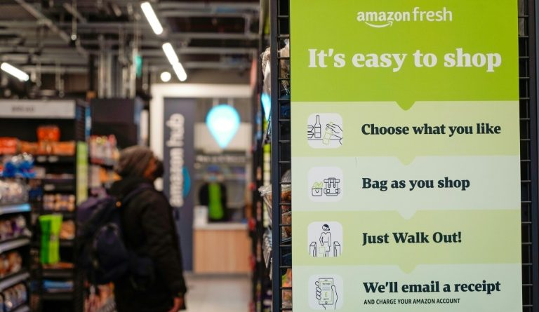 "Amazon opens an ""unconnected"" and refreshed grocery store in London"
