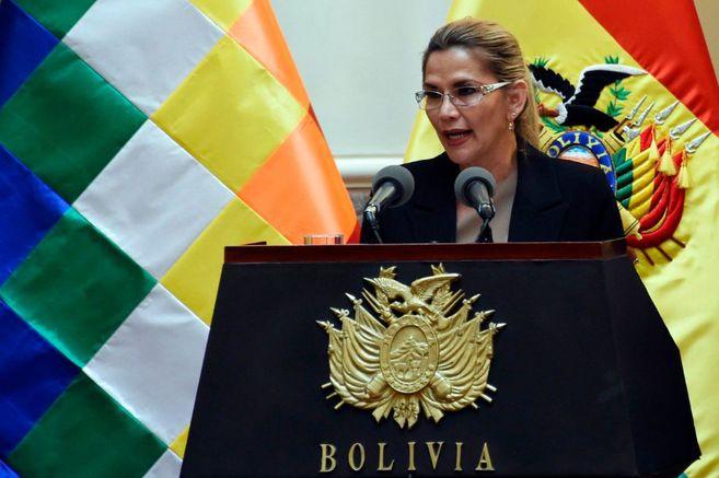 Bolivian judiciary orders arrest of former president Jeanine ez
