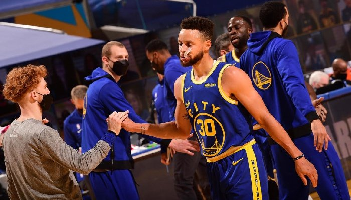 Stephen Curry manque cruellement aux Warriors depuis sa blessure