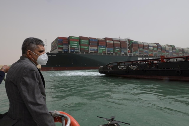 Large container ship Suez Canal - economy - stops navigation in Arab and international