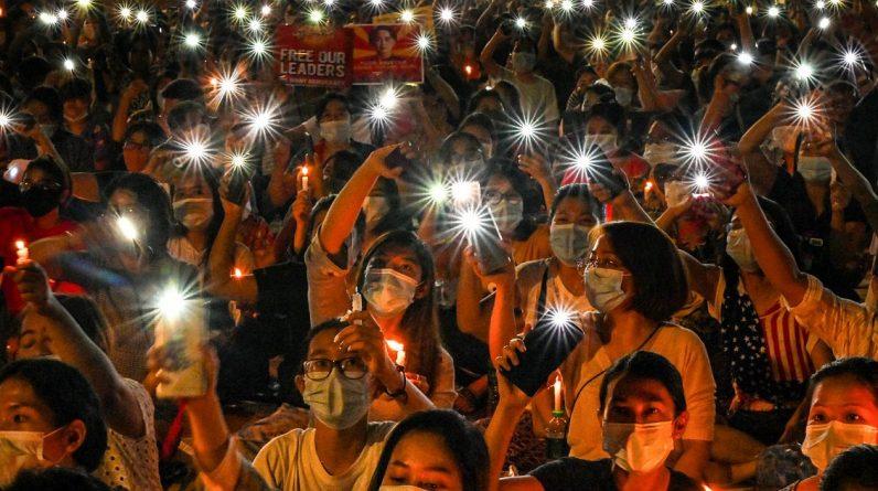 Myanmar - Opposition leader calls for revolution