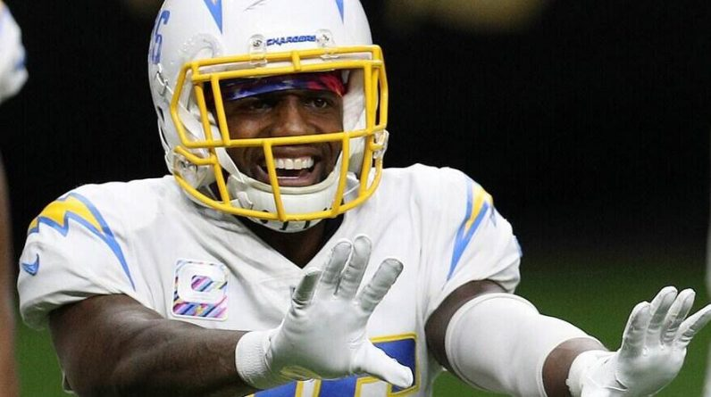 NFL: Chargers release one of their captains