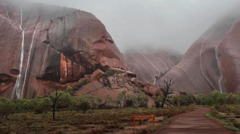 Rainwater layers in the Ulu Rock of Australia