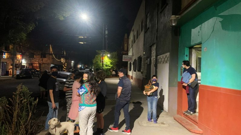 Seismic warning sirens sound in Mexico City