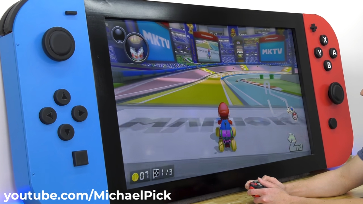 Super giant switch can be operated with the handle.Photo: Retrieved from Michael Pick's YouTube channel