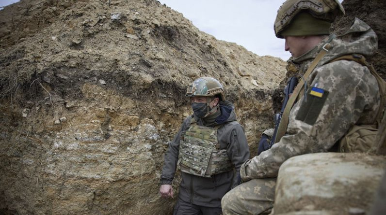 Fighting is going on in eastern Ukraine.  Britain and US call on Russia to ease tensions - World - News