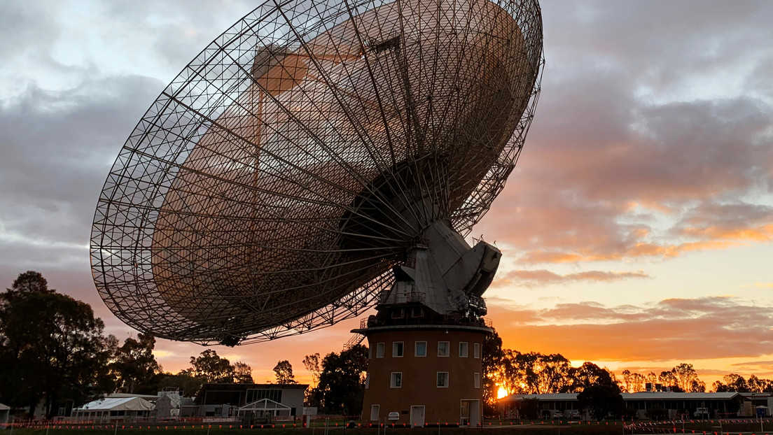 Scientists search for extraterrestrials investigate a mysterious radio signal coming from a star near the sun