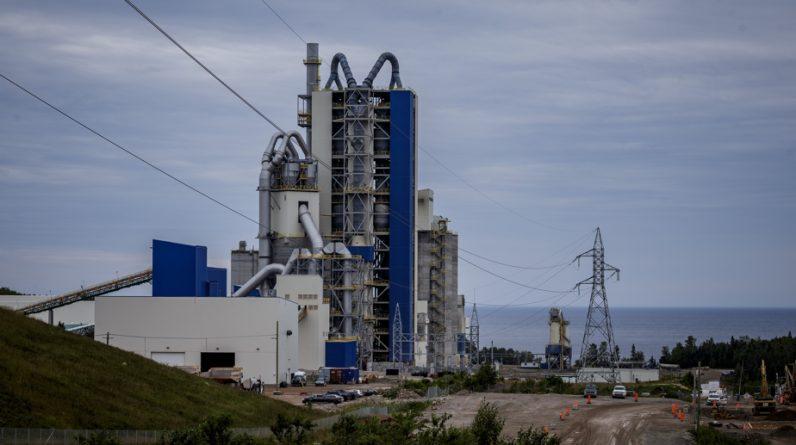 Guys de Depot Megnis reduces cement plant valuation