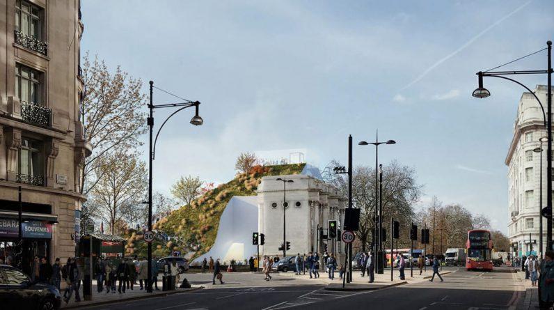 In London, MVRTV Plants Oxford Street