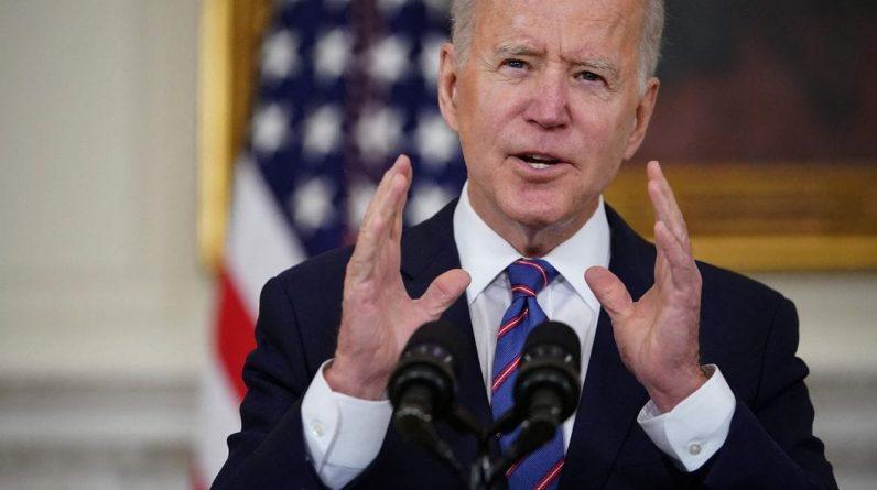 """Tensions avec Moscou: Biden promet son soutien """"indéfectible"""" à l'Ukraine"""