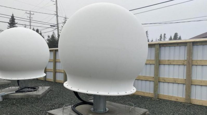Les stations de Space X ne sont pas constituées d'antennes, mais de sphères utilisées pour relier plusieurs satellites entre eux et transférer des données tant que le système de liaison laser n'est pas actif.