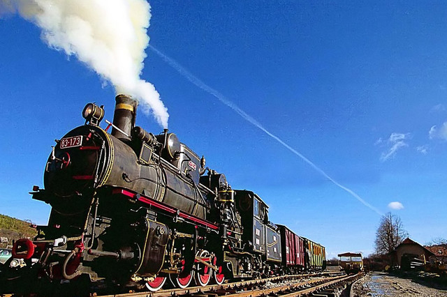 "Museum-Tourist train ""Nostalgia"" Shargan on the eighth"