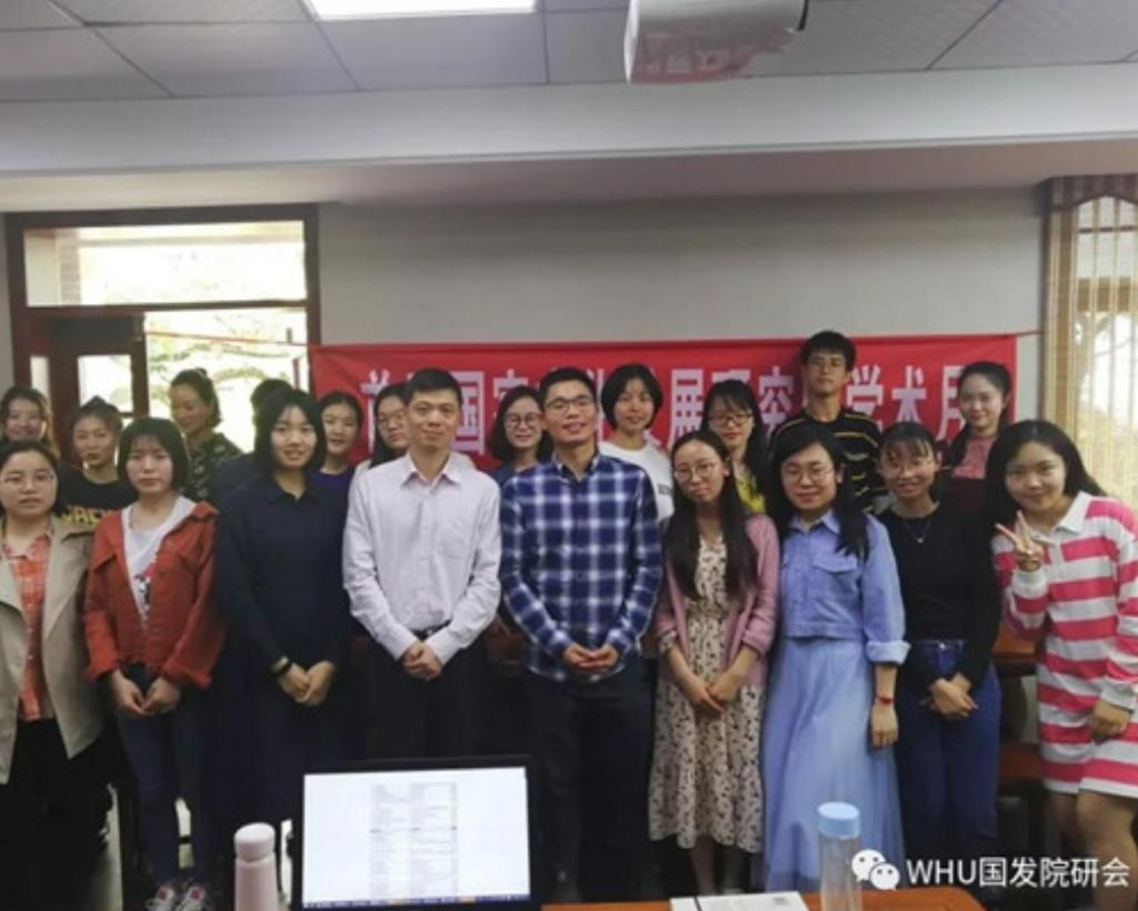 Wu Jiming, a sociologist at York University in Canada, once went to the mainland to conduct polls and exchanges at Wuhan University.
