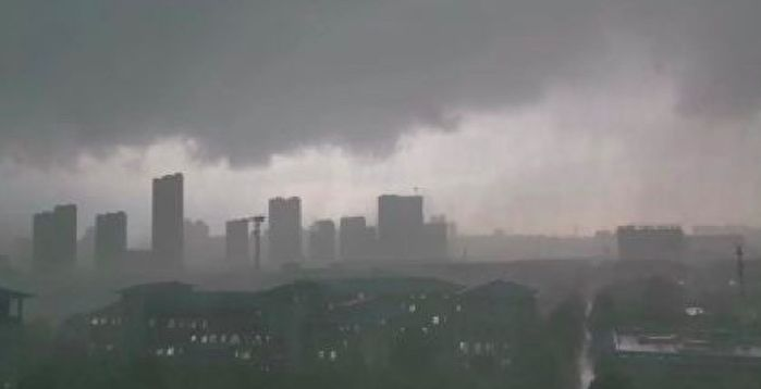 It rains day and night in Wuhan in the afternoon.  Netizens: Very scared |  Dark |  Hail |  Thunderstorms