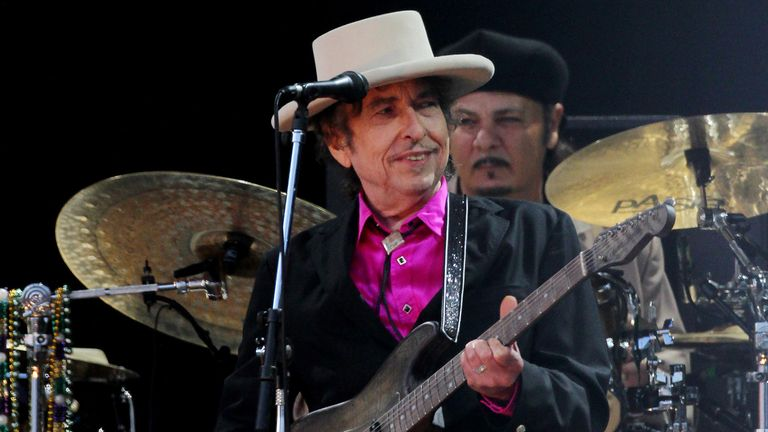 Music legend became a supporter of the Bob Dylan Fund's Library - Bob Willis was such a fan that he added Dylan as a middle name
