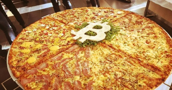 Bitcoin Pizza Day: They give 10,000 pizzas and $ pizza to Argentina to start saving