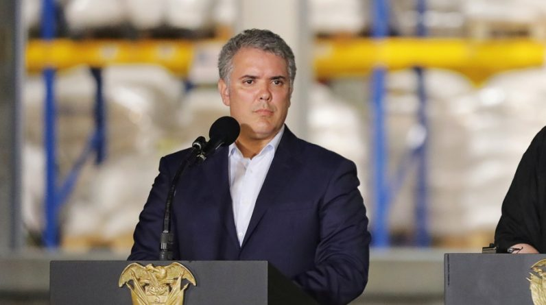 Colombia reopens all its borders except Venezuela