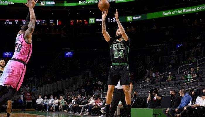 En feu, Evan Fournier claque son meilleur match à Boston ! NBA