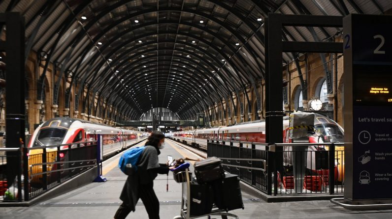 """London to centralize train administration to end """"piece by piece"""""""