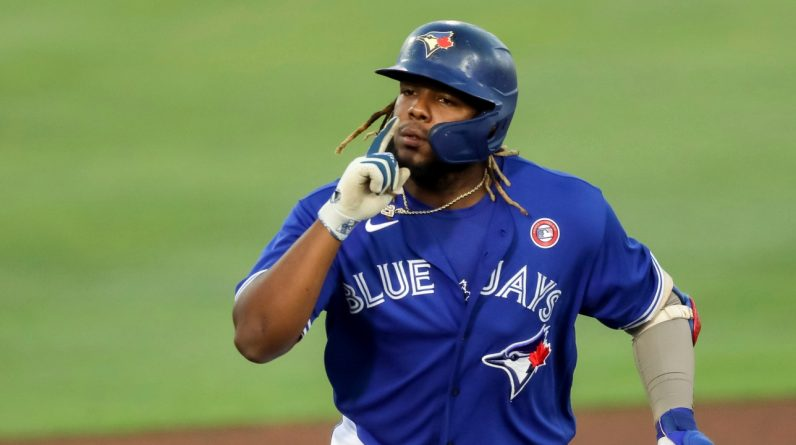 MLP: Vladimir Guerrero hits 10th Homer and Bryce Harper injured in game