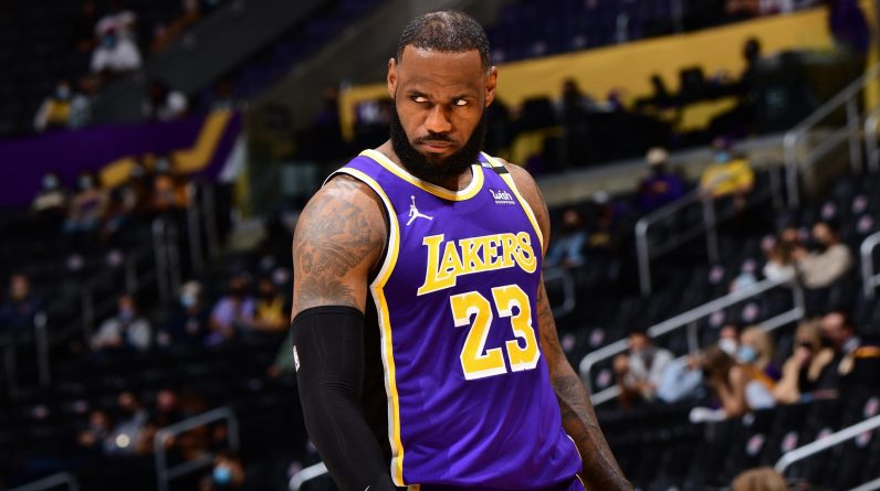 NBA - LeBron James qualifies for Los Angeles Lakers by crucifying Golden State Warriors at the end of suspense!