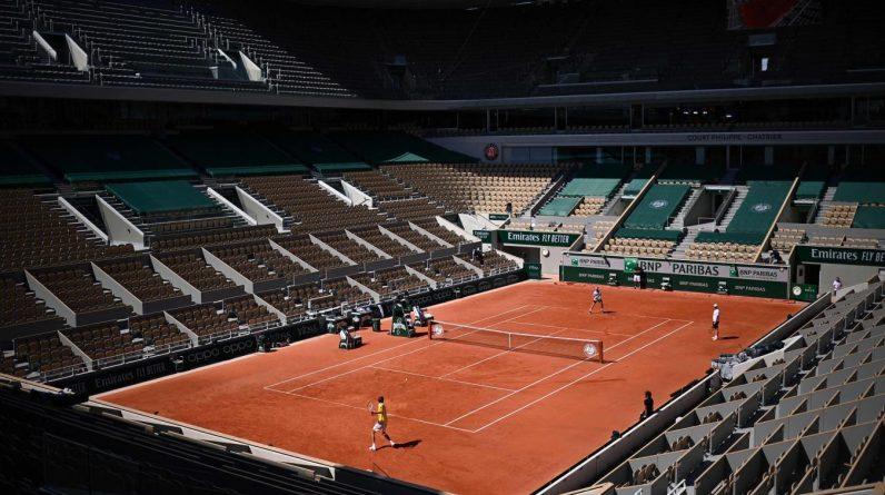 Le court central Philippe-Chatrier accueille à partir de ce lundi un match en nocturne par jour. Photo AFP