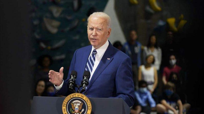 """Avec un ambitieux budget 2022, Biden veut """"réinventer"""" l'économie américaine"""