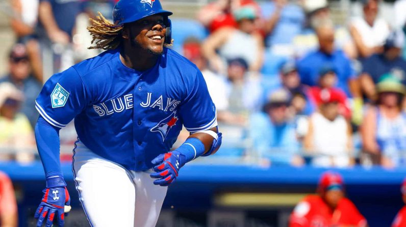 Brief MLP: Vladimir Guerrero Jr. Favorite for MVP |  A whole day for Kevin Kausman