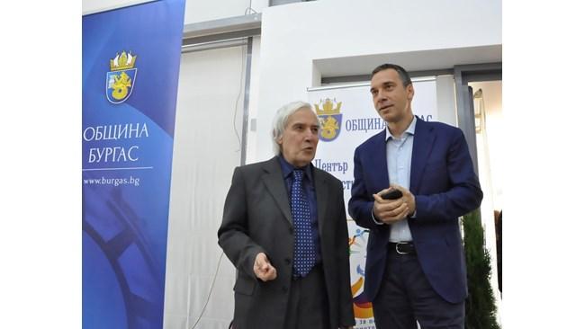 """Gold"" teacher Theo Burgas teaches mathematics and physics"