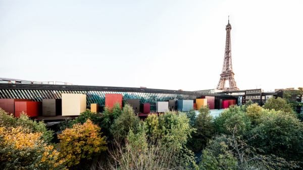 For a year, Paris has been adorned with the colors of Australia