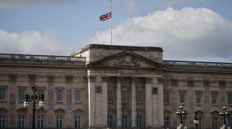 Buckingham Palace a admis devoir «faire plus» pour favoriser la diversité de ses employés. Actellement, la proportion de ses employés issus de minorités ethniques n'est que de 8,5%, avec un objectif de 10% pour 2022. PHOTO ARCHIVES AFP