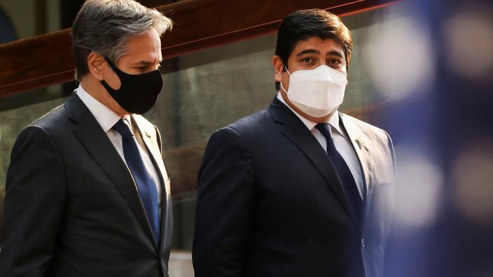 Le chef de la diplomatie américaine Antony Blinken en compagnie du président du Costa Rica, Carlos Alvarado Quesada.