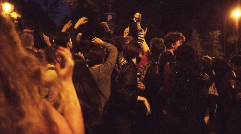 In Invalidis, a new wild party is dispersed by the police - Liberation