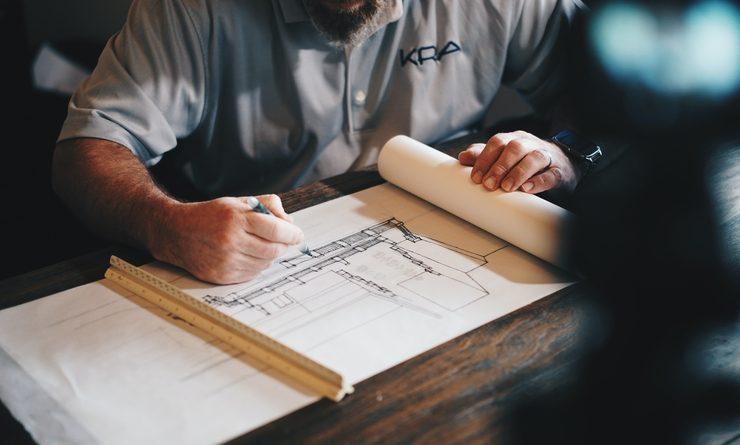 Un architecte en plein travail