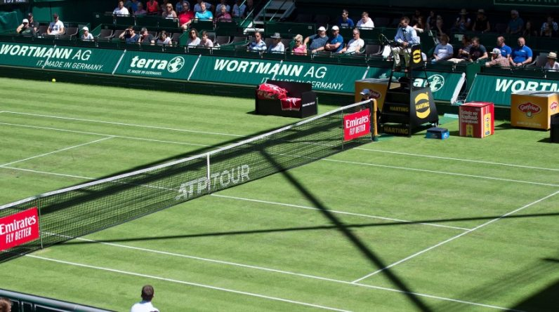 Tables of Halle and London matches