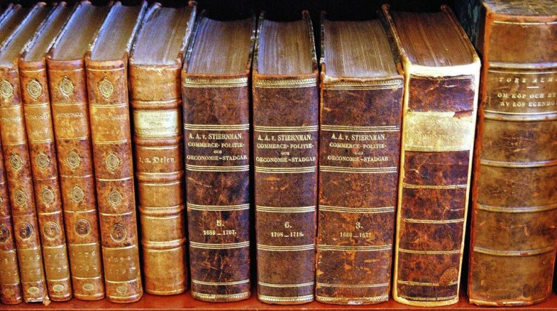 Warning: Literary masterpieces may be banned in Hungarian schools