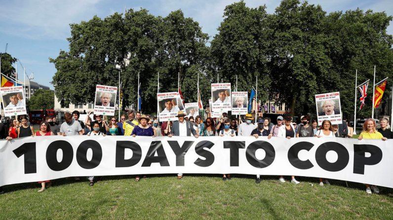 Dimanche, devant le Parlement, les activistes voulaient rappeler au gouvernement britannique et aux négociateurs de la COP26 l'urgence de mener à bien les discussions sur le climat.