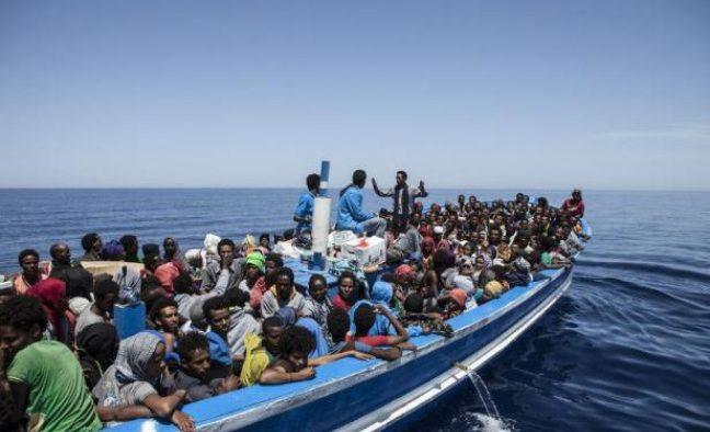 Coast Guard Warning Scenes Near Immigrant Boat - Parlamane