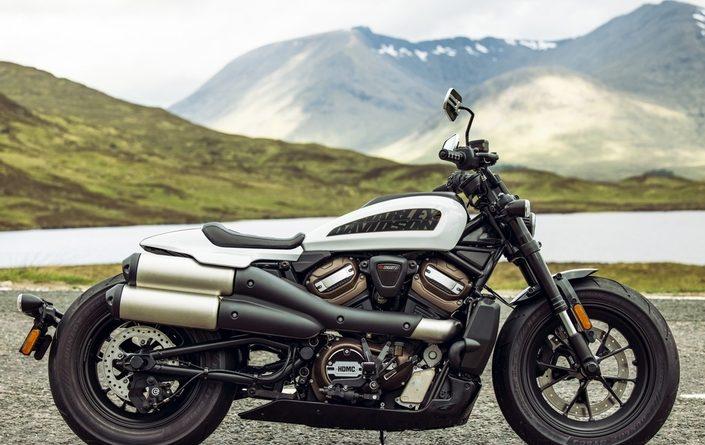 La Harley-Davidson Sportster S est affichée à partir de 15690euros.
