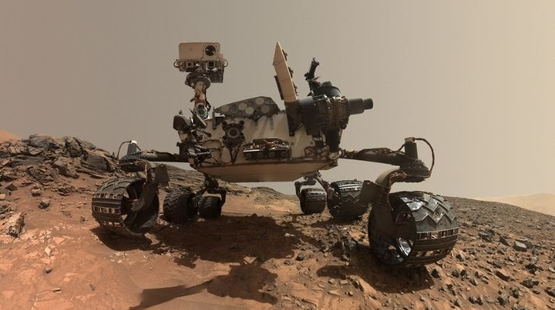 Life on Mars: NASA's Curiosity rover detects methane gas on Mars, a sign of life on Mars!  |  Life on Planet Mars: NASA Curiosity rover discovers methane gas on Mars