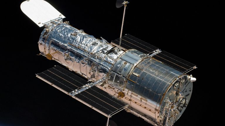 Hubble has completely resumed its work and is already sending photos