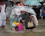 Twelve people have been killed in floods in the China Trunk