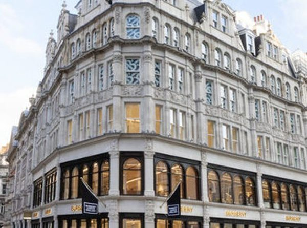 In London, Burberry unveiled its new store concept on Sloan Street