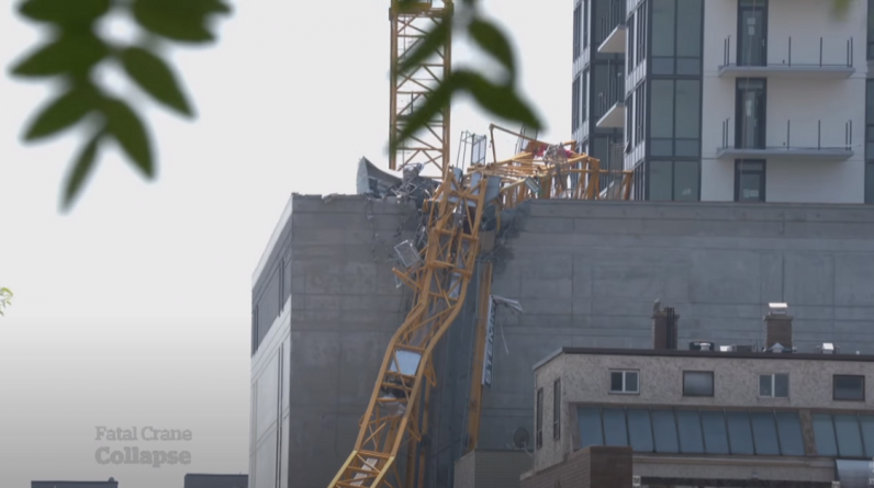 A crane has collapsed in the Canadian city of Kelowna, killing many