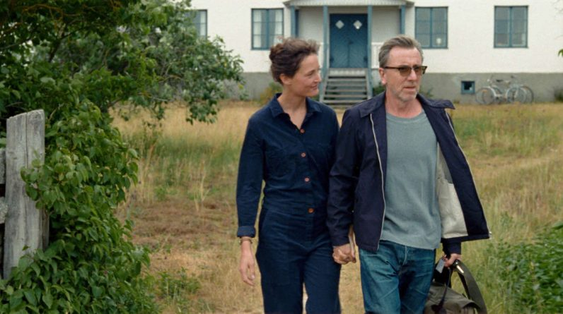 """""""Bergman Island"""", """"Titanium"""", """"Assigned Convict"""" ... Movies to watch this week (or not)"""